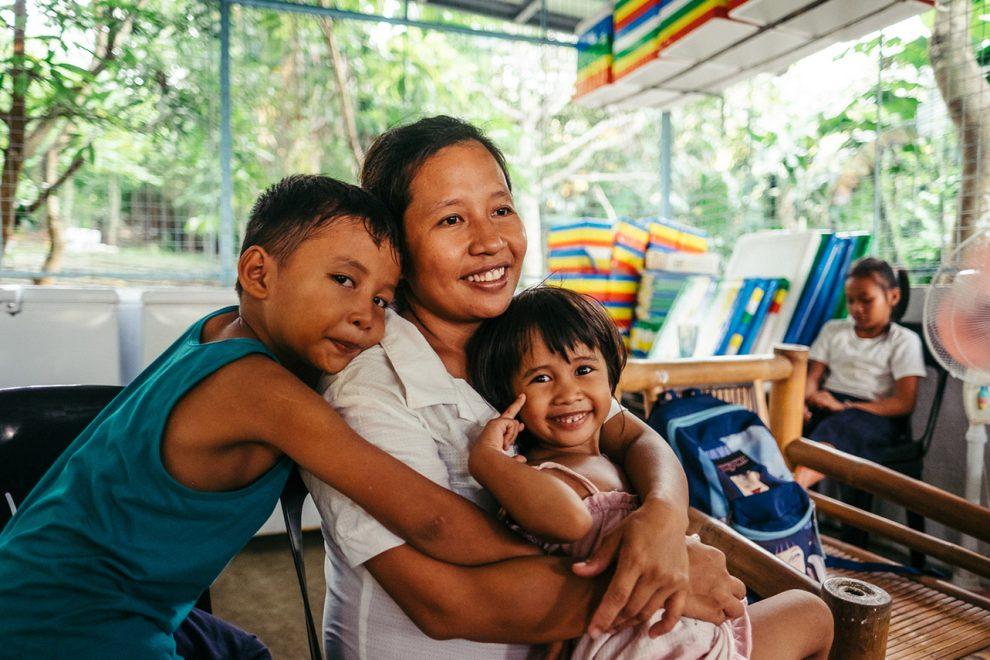 Philippines_Poverty_Mel_Hattie-3-990x660